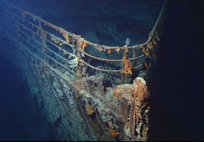 1280px Titanic wreck bow