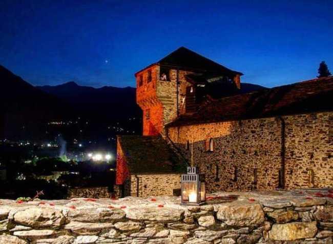 castello vogogna notte