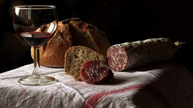 pane salame vino rosso