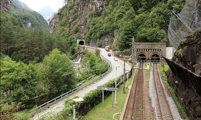 traforo tunnel sempione galleria iselle treni 2